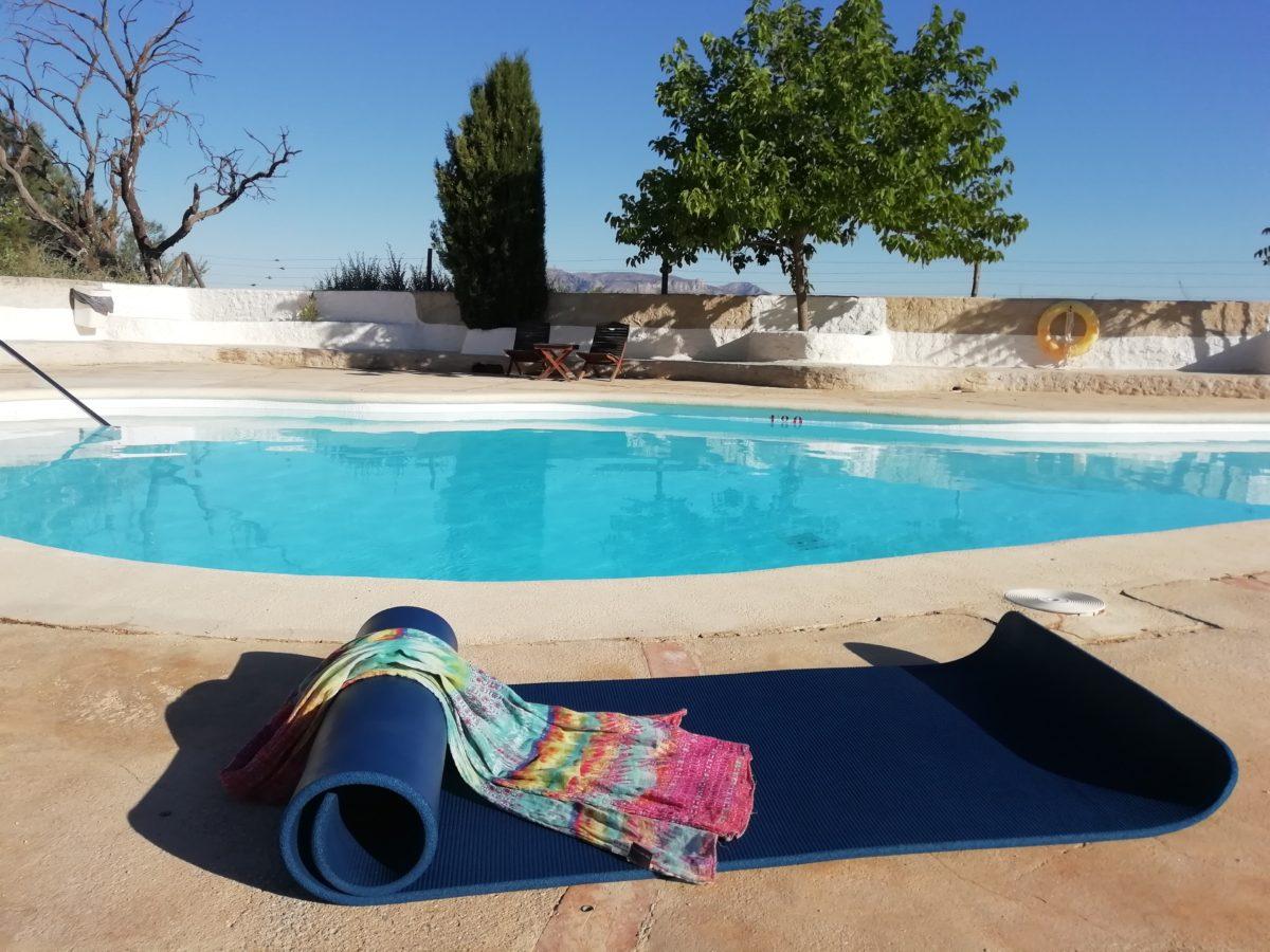 piscina yoga aljatib